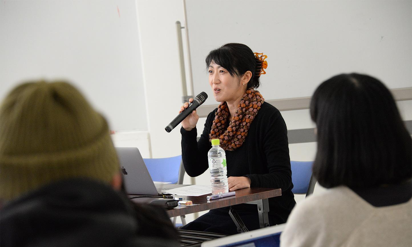 「2000年代の沖縄における美術の検証」:事例発表 阪田清子氏